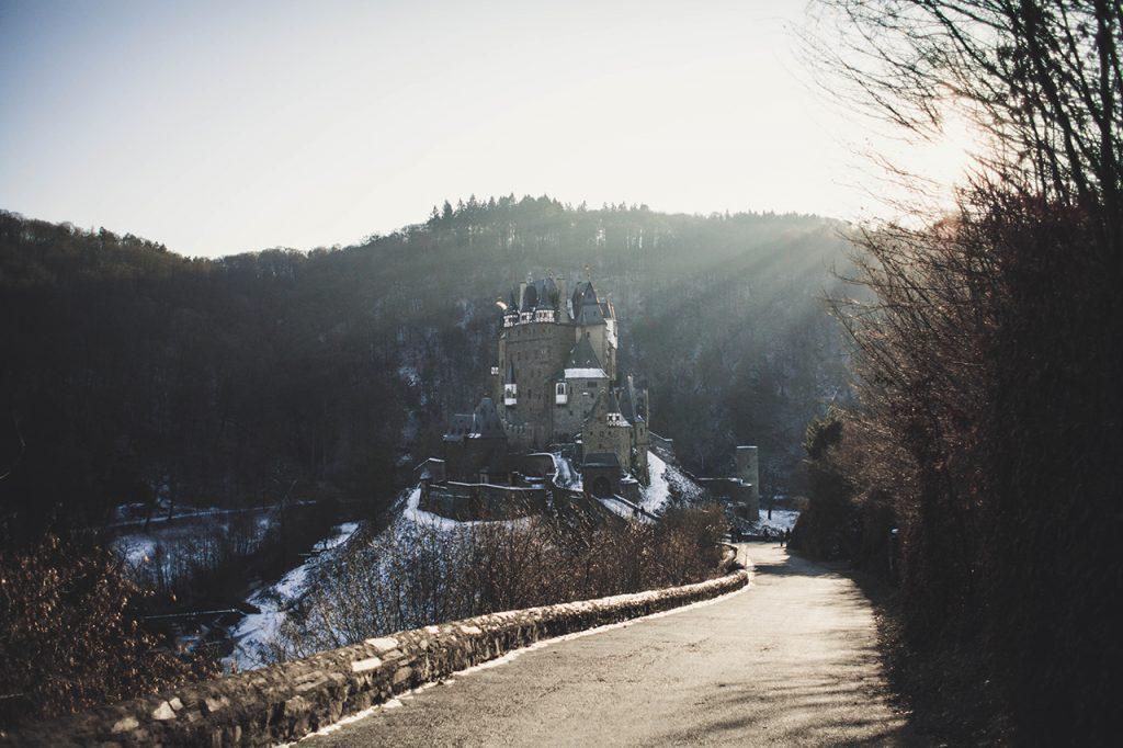 Burg Eltz Tagesausflug Instagram Hotspot Fotos width=