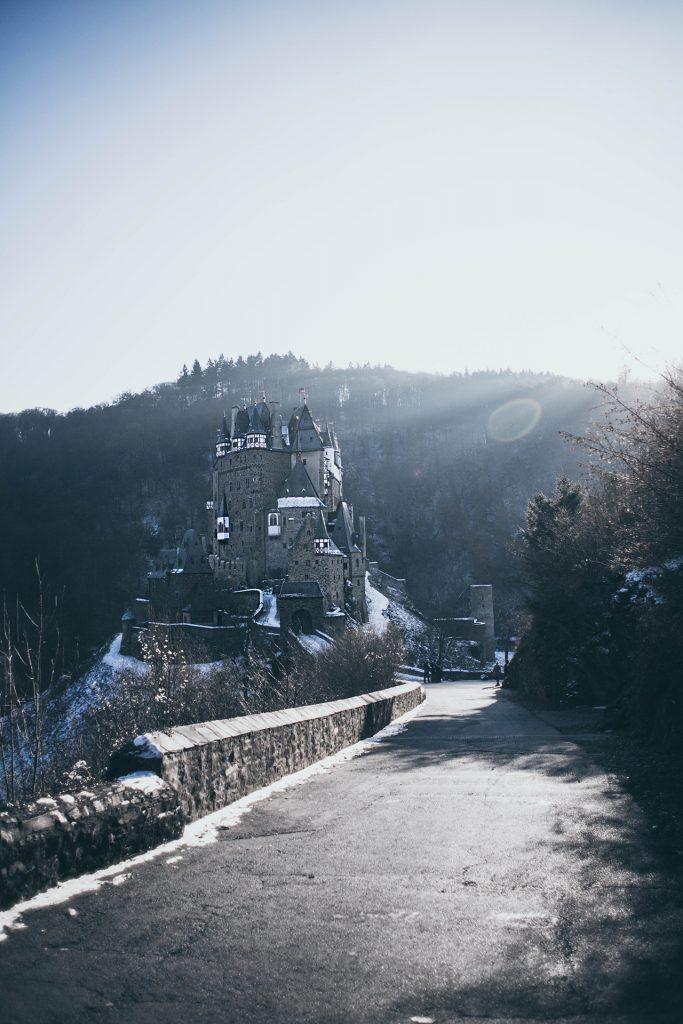 Burg Eltz Tagesausflug zum Instagram Hotspot
