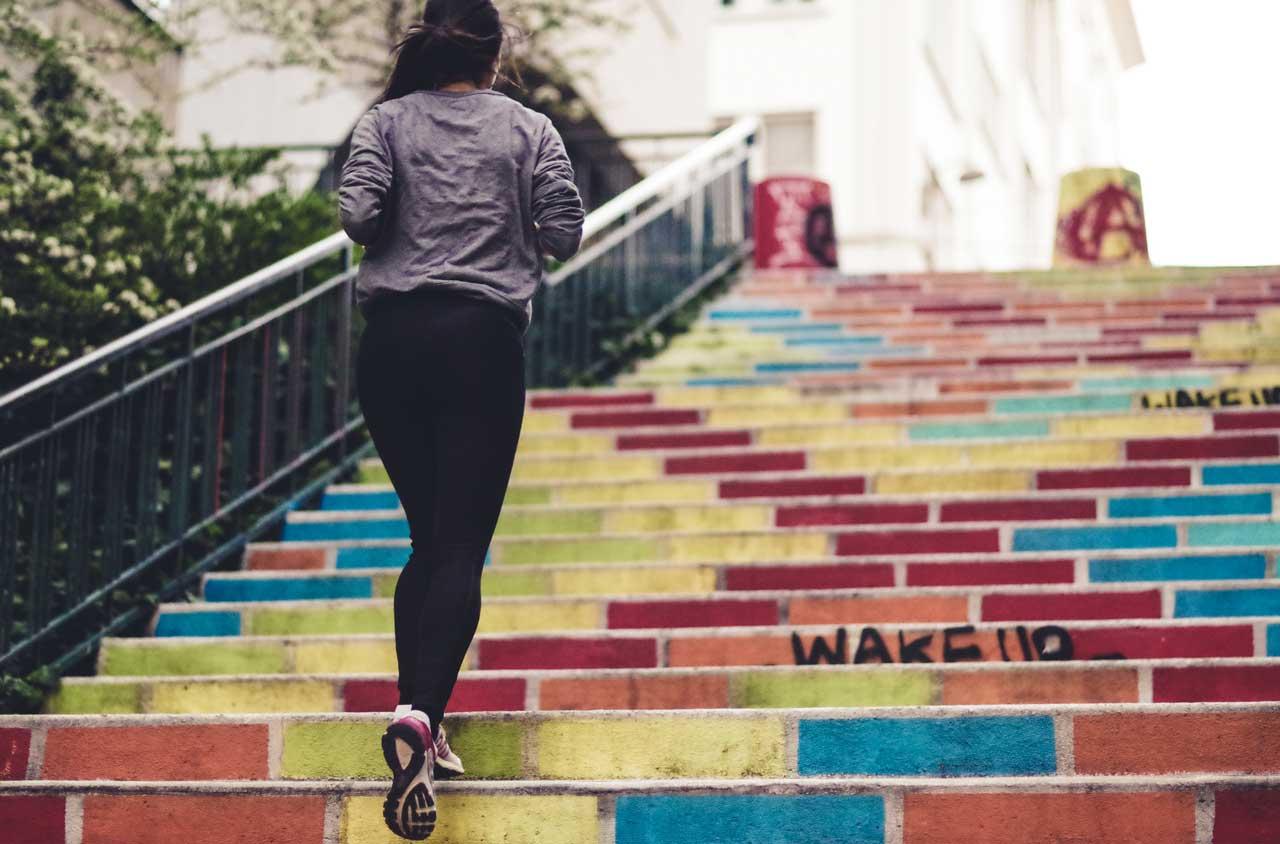 Fit nebenbei: 5 Fitness Tipps für jeden Tag